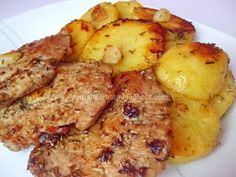Muschi de porc felii cu cartofi la cuptor Egg Recipes, Chicken Recipes, Cooking Recipes, Healthy Recipes, Fish And Eggs Recipe, Helathy Food, Pork Chop Dinner, Good Food, Yummy Food