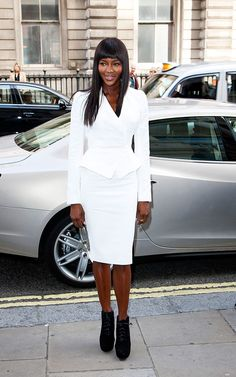 Las mejor vestidas de la semana - Naomi Campbell - Alexander McQueen