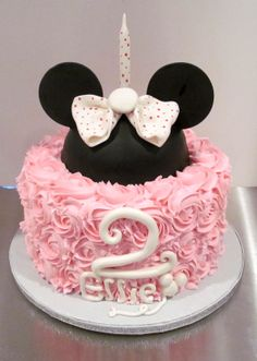 Minnie Mouse Cake www. Bolo Da Minnie Mouse, Mickey E Minie, Minnie Mouse Birthday Cakes, Custom Birthday Cakes, Mickey Mouse Cake, Minnie Mouse Cake, Birthday Cake Girls, 2nd Birthday, Birthday Ideas
