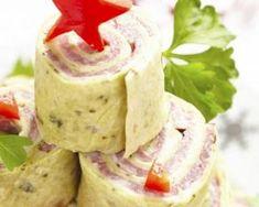 Sapin de roulés au jambon et fromage ail et fines herbes pour Noël : http://www.fourchette-et-bikini.fr/recettes/recettes-minceur/sapin-de-roules-au-jambon-et-fromage-ail-et-fines-herbes-pour-noel.html