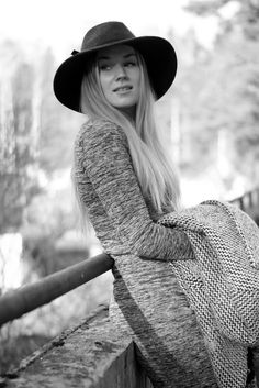 Monochrome outfit / dress / hat