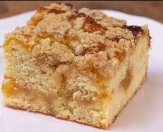molten mug cake Cake Recipes, Dessert Recipes, Desserts, Easy Cooking, Cooking Recipes, How Sweet Eats, Greek Recipes, Coffee Cake, Food To Make