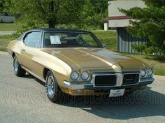 '70 Pontiac Lemans, had two of these, one in this color and one dark green. back to the muscle cars for me.