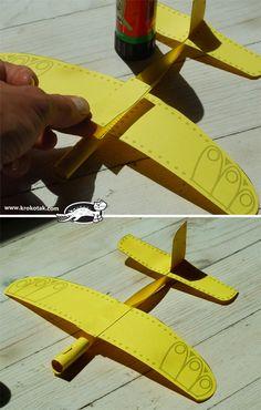 лесен хартиен самолет с шаблон за разпечатване