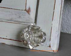 Hometalk :: Repurpose Cabinet Doors to Coat Hooks