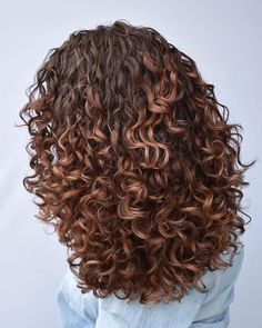 Sometimes changing up your look and hair color can be a good thing. Going from light to dark, or the reverse can easily put a whole new spin on your l. curly hair 20 Short Hair Color Ideas for A Change-Up in 2020 Dyed Curly Hair, Curly Hair Styles, Brown Curly Hair, Colored Curly Hair, Natural Hair Styles, Color For Curly Hair, Curly Hair Long Bob, Hair Color Ideas For Dark Hair, Long Curly Haircuts