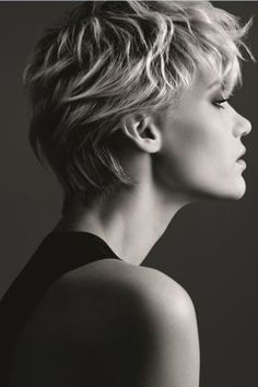 A scintillating collection of Short Blonde Wavy hairstyles. Find the right Short Blonde Wavy hairstyle for you. Blonde Wavy Hair, Choppy Hair, Short Blonde, Short Hairstyles 2015, Haircuts For Curly Hair, Curly Hair Styles, Short Haircuts, Super Short Hair, Short Hair Cuts For Women