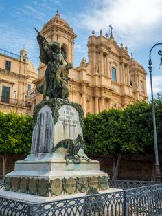 Noto - Monumento ai Caduti by Nicola Maugeri on 500px