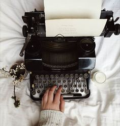 Stories will be written on this beauty from now on. Seraphina Picquery, Aesthetic Vintage, Aesthetic Pastel, Old Cameras, Vintage Office, Vintage Typewriters, Coffee And Books, Edwardian Era, Aesthetic Pictures