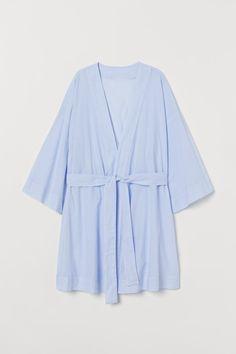 Cotton poplin kimono - Light blue/White striped - Ladies | H&M GB 3 Short Kimono, Street Style Summer, Fashion Company, Poplin, World Of Fashion, Sleeve Styles, Personal Style, Light Blue, Blue And White
