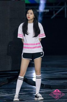 Kpop Girl Groups, Kpop Girls, School Girl Outfit, Girl Outfits, Yuri, Archery Girl, 3 In One, Pretty Makeup, Female Singers