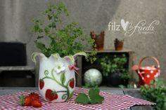 Windlichter - Fruchtiges Filz-Windlicht Erdbeer-Marie - ein Designerstück von Filzfrieda bei DaWanda