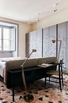 bedroom / Massimo Adario Architetto, Sisters Agency · Casa in via Catone