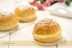 Mini tarte tropézienne in versione monoporzioni, sono delle morbide brioches farcite con crema, ottime per colazione e merenda. Un lievitato dolce speciale.