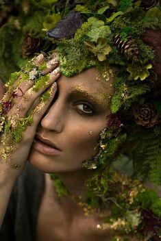 Photographer: Emily Nicole Teague Photography / Model: Kelli Kickham / Makeup: Kenzie Gregg /  Headdress: Miss G Designs /  Horns: Faust & Company