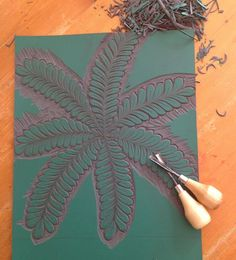 I started carving a new design a couple of days ago. It was influenced by a weed I spotted whilst walking Daisy. I don& thi. Gelli Plate Printing, Stamp Printing, Lino Natural, Natural Forms, Linocut Prints, Art Prints, Stamp Carving, Wood Carving, Christmas Cushions