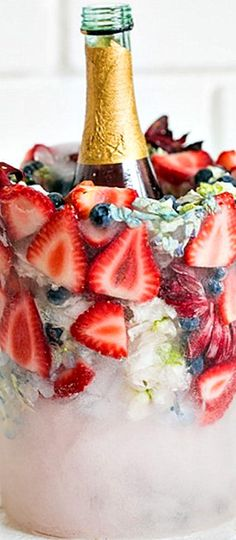 Ice Bucket - shades of red, white and blue ❊