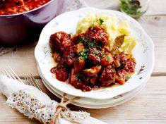 Unser beliebtes Rezept für Stew mit Kartoffelpüree und mehr als 55.000 weitere kostenlose Rezepte auf LECKER.de.