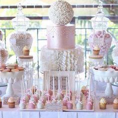 Un romantico Candycorner #candycorner #bianco #rosa #scenografia #colori #dolci #allestimento #cakepops #torta #cakedesign
