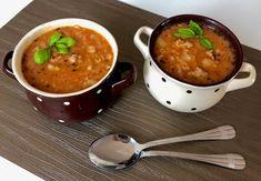 Przepyszna zupa gołąbkowa! Rozgrzewająca, gęsta i bardzo pożywna zupka, która idealnie sprawdza się w chłodne dni. Do tego jest naprawdę przepyszna! Zupę tą odkryłam już jakiś rok temu i wówczas też przepis na nią znalazł się na blogu. Od tego czasu robiłam ją już jednak kilka razy i niektóre składniki troszkę w międzyczasie pozmieniałam, dlatego …