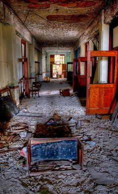 It's a shame but not only this abandoned in Detroit but they have schools open almost as bad. Abandoned Detroit, Abandoned Property, Abandoned Mansions, Abandoned Buildings, Abandoned Places, Old Buildings, Detroit Ruins, Old Churches, Cottage