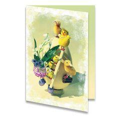 Een paaskaart van een groot paasei en kuikentjes erop die het ei mooi maken. Er hangt een ladder aan het ei en wat bloemetjes. De achtergrondkleur is geel. Aan de binnenkant van het paaskaartje is de achtergrondkleur wit aan de linker kant en groen en geel aan de rechterkant. Aan de rechterkant staat de tekst '' Vrolijk Pasen!'' geschreven.