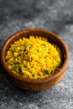 Golden turmeric cauliflower rice is a flavor and anti-inflammatory packed side dish! Cook it up in less than 5 minutes. Rice Recipes, Lunch Recipes, Whole Food Recipes, Keto Recipes, Dinner Recipes, Fast Recipes, Ketogenic Recipes, Ketogenic Diet, Vegetarian Recipes