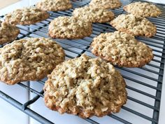 4 Ingredient, 15 Minute Oatmeal Cookies - To Eat, Drink & Be Married Baking Desserts With Few Ingredients, Cookies Ingredients, 4 Ingredients, Lemon Recipes, Baking Recipes, Cookie Recipes, Dessert Recipes, Yummy Recipes, Recipies