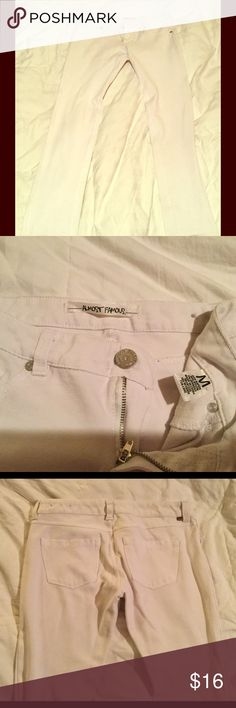"""White jeggings, capris White, stretch capris. 33"""" from hip to bottom, inseam 27"""". Size M Almost Famous Pants Capris"""