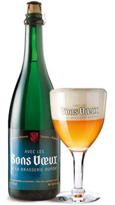 Bons Vœux / Teneur en alcool : 9,5 % vol. La Bons Voeux est une bière blonde de fermentation haute, refermentée en bouteille. Créée en 1970, cette bière était offerte en début d'année aux plus fidèles clients de notre brasserie (d'où son nom « Avec les bons vœux de la Brasserie Dupont »). Le succès de cette bière lui a valu de devenir une bière commerciale, tout en conservant son nom d'origine. Bien que très prisée, elle était brassée en quantités limitées, que les amateurs se réservaient…