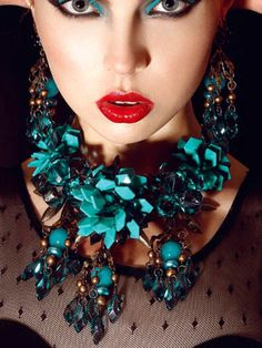 (via Gucci via ❤ Turquoise & Black ❤ Azul Tiffany, Tiffany Blue, Gucci Jewelry, Jewelry Art, Jewellery, Vogue, Girls Best Friend, My Favorite Color, Fashion Accessories
