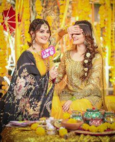 indian wedding close up photography Indian Wedding Poses, Pakistani Wedding Outfits, Wedding Couple Poses, Pakistani Bridal, Wedding Props, Wedding Album, Wedding Bells, Wedding Ideas, Wedding Decorations