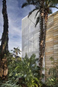 Vertical House,© Paul Finkel