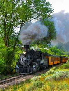 Durango & Silverton Narrow Gauge Railroad, San Juan Mountains, Colorado, USA