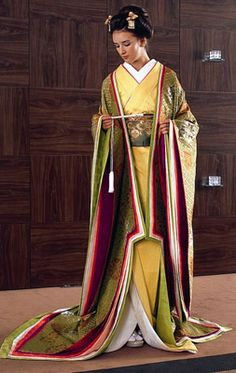 A modern kimono with junihitoe touches. Japanese Kimono, Japanese Fashion, Heian Era, Japanese Interior Design, Modern Kimono, Kimono Design, Wedding Kimono, Girly Outfits, Aesthetic Fashion
