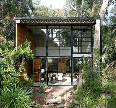 Eames House ✏ Husband and Wife Design Team of Charles and Ray . Pasific Palisades