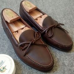 My new sport loafers from Vidal Fernandez… - Mis nuevos mocasines de Vidal Fernández… #sinabrochar #loafers #shoes #shoecare #mocasines #lazos #cuero #leather #fashion #salva #vidalfernadez #vf