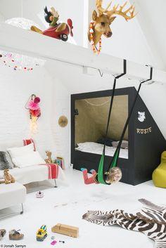 Une jolie chambre d'enfant où l'espace nuit est bien séparé