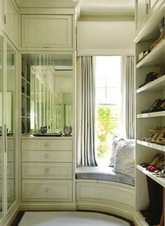 Walk In Closet Window Seat Alcove - Design photos, ideas and inspiration. Amazing gallery of interior design and decorating ideas of Walk In Closet Window Seat Alcove in closets, living rooms, girl's rooms by elite interior designers. Dressing Room Closet, Closet Bedroom, Home Bedroom, Dressing Rooms, Master Closet, Closet Space, Closet Dresser, Bedrooms, Master Suite