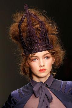 Knitted crown - Bora Aksu by Maison Pristine | spring summer 2013