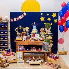 Festa fofa com tema O Pequeno Príncipe, por @amigadefesta  #kikidsparty Baby Boy Birthday, 8th Birthday, 1st Birthday Parties, Birthday Cake, Little Prince Party, Ladybug, First Birthdays, Baby Shower, Diy
