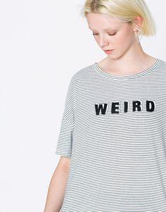 T-shirt às riscas weird - Manga curta - T-shirts - Vestuário - Mulher - PULL&BEAR Portugal