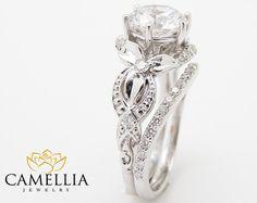 Unique Moissanite Engagement Ring Set 14K Rose von CamelliaJewelry