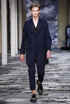 Neil-Barrett-Spring-Summer-2016-Menswear-Collection-Milan-Fashion-Week-037
