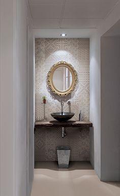 Mooie decors voor in een toilet of accent in de badkamer. Binnenkort in getrommelde uitvoering te zien in onze showroom en uit voorraad verkrijgbaar bij Van Dijk Tegel in Dordrecht.