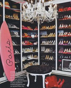 I want to know who lives here...she surfs, obviously loves Paris, and SHOES! Fabulous shoe closet!
