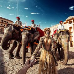 Amer Fort in Jaipur India (the photo series by Russian Photographer, Murad Osmann) Murad Osmann, Amer Fort, Luxury Boat, Visit India, Jaipur India, Travel Outfits, Photo Series, Varanasi, Harpers Bazaar