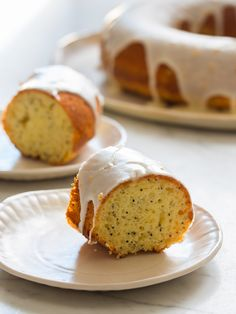 This rich and buttery Meyer Lemon and Poppy Seed Pound Cake is a great dessert to have with a cup of coffee or hot tea. Meyer Lemon Recipes, Lemon Dessert Recipes, Pound Cake Recipes, Great Desserts, Cookie Recipes, Delicious Desserts, Macaron Recipe, How Sweet Eats, Chocolate