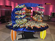 Cupcake Wars Displays | Surf's Up — Cupcake Wars Recap