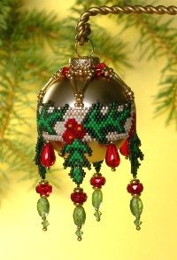 Bead Pattern - Holly Christmas Ornament
